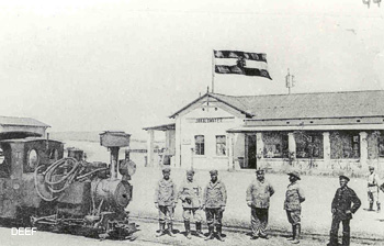 Die Station Jakalswater 1903 an der alte 600mm Strecke Swakopmund - Windhuk bei Streckenkilometer 99 (Foto Namibia National Archives). Eisenbahnen in Deutsch-Südwestafrika / Namibia. DEEF Dr. Michael Populorum